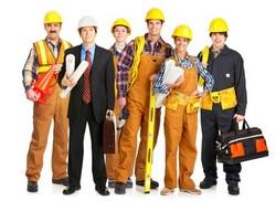 Achten Sie darauf, dass in der Betriebshaftpflichtversicherung auch wirkliche alle Personen abgesichert sind, die in Ihrem Betrieb arbeiten.